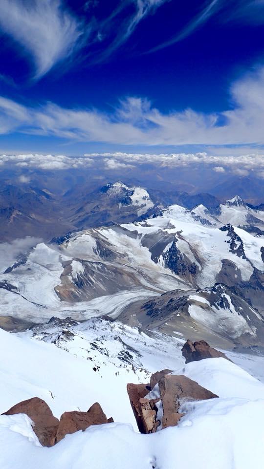 Team Aconcagua 2018 in ascensiune reusita pe varful Aconcagua la 6962m.