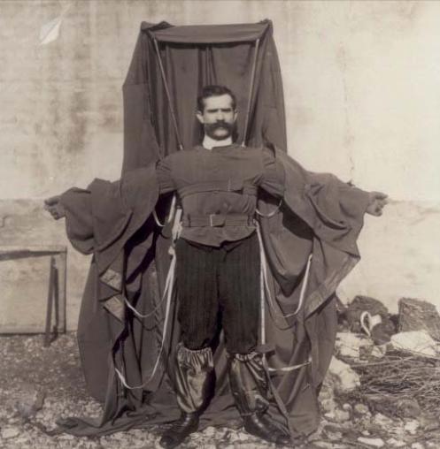Parintele wingsuit-ului