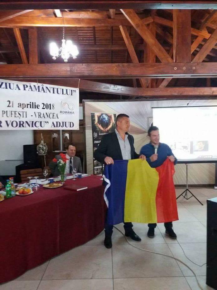 Proiect de mai Avram Iancu e umar la umar cu Tiron! Inot pentru Romania.