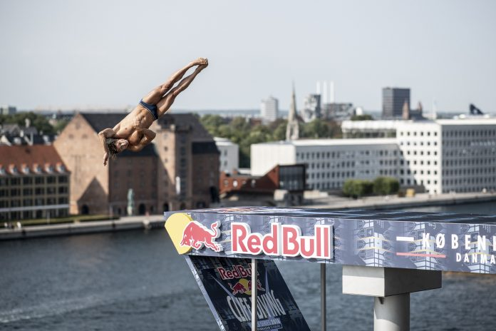 Constantin Popovici este primul roman care sare in High Diving!