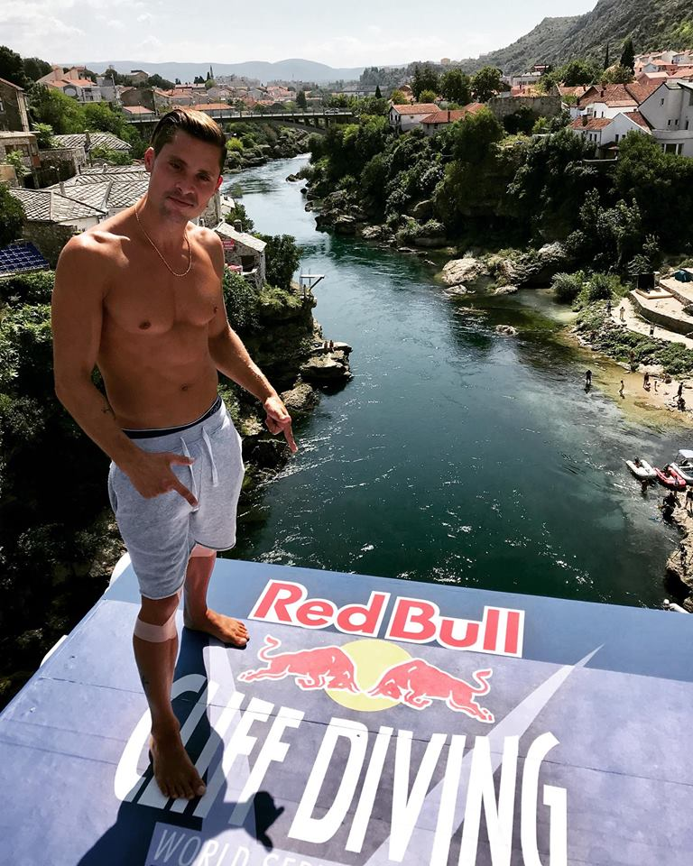 Constantin Popovici participa la Red Bull Cliff Diving Mostar 2018