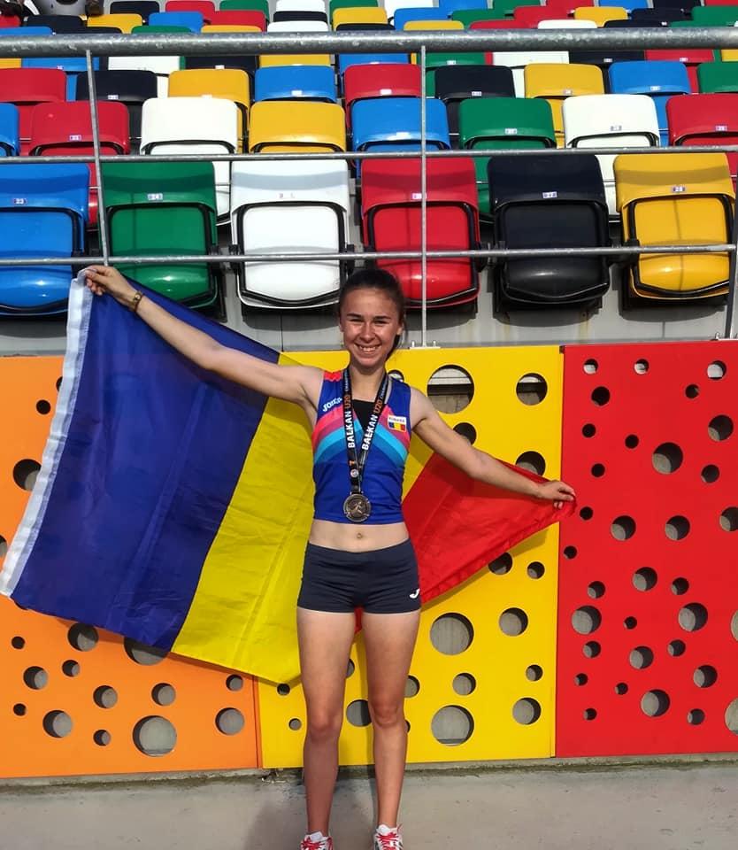 Angelica Olenici a castigat in premiera titlul national la juniori la Cros.