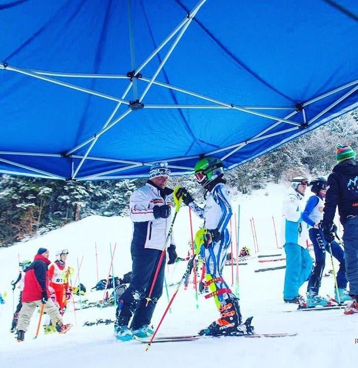 Matei Oancea castiga medalii la schi! Vrea sa fie ca Hirscher si adora Slalomul Urias