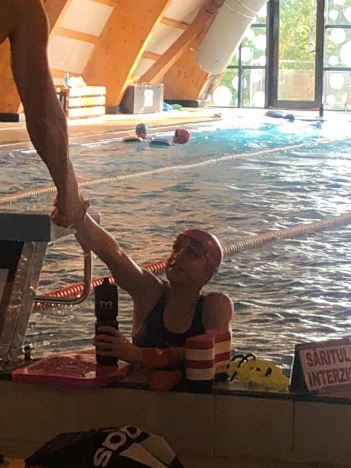 Andra Gorecki si povestea inceputului in natatie. Asteapta raspuns pentru FOTE