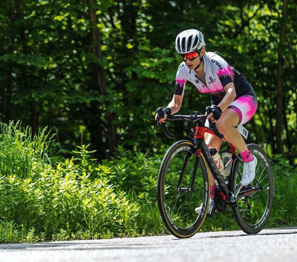 Estera Coteata a ajuns din public la ciclism. Evolutia pana la podium
