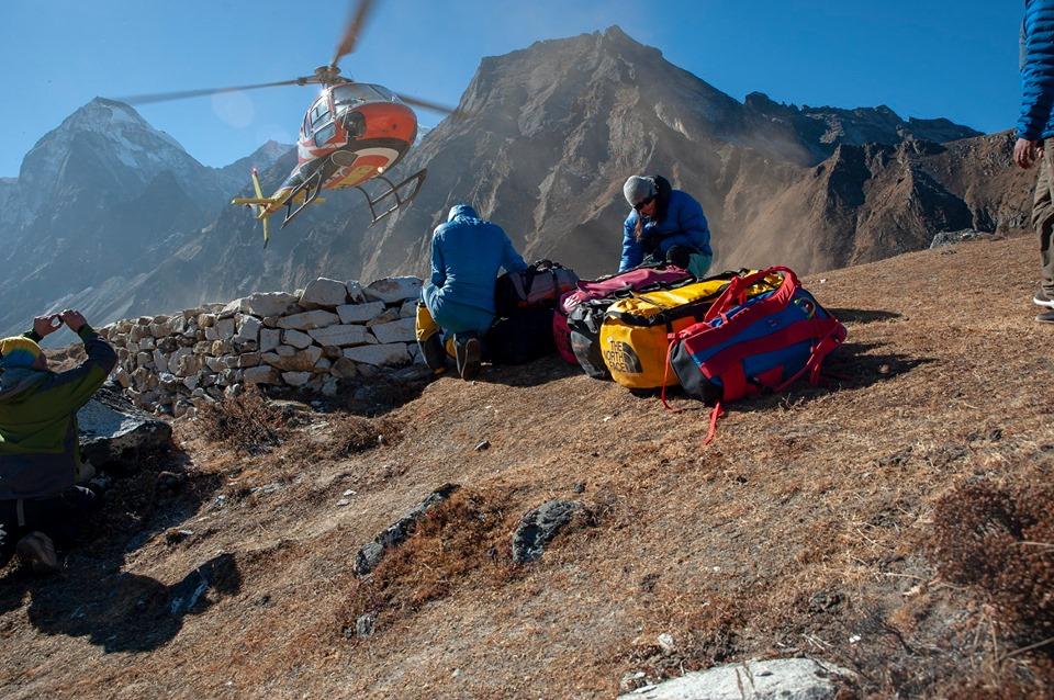 Justin Ionescu si Laura Mares continua lupta cu inaltimile. Povestea din Karakorum