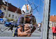 Eduard Grosu se antreneaza pe home trainer. Mesaj din autoizolare
