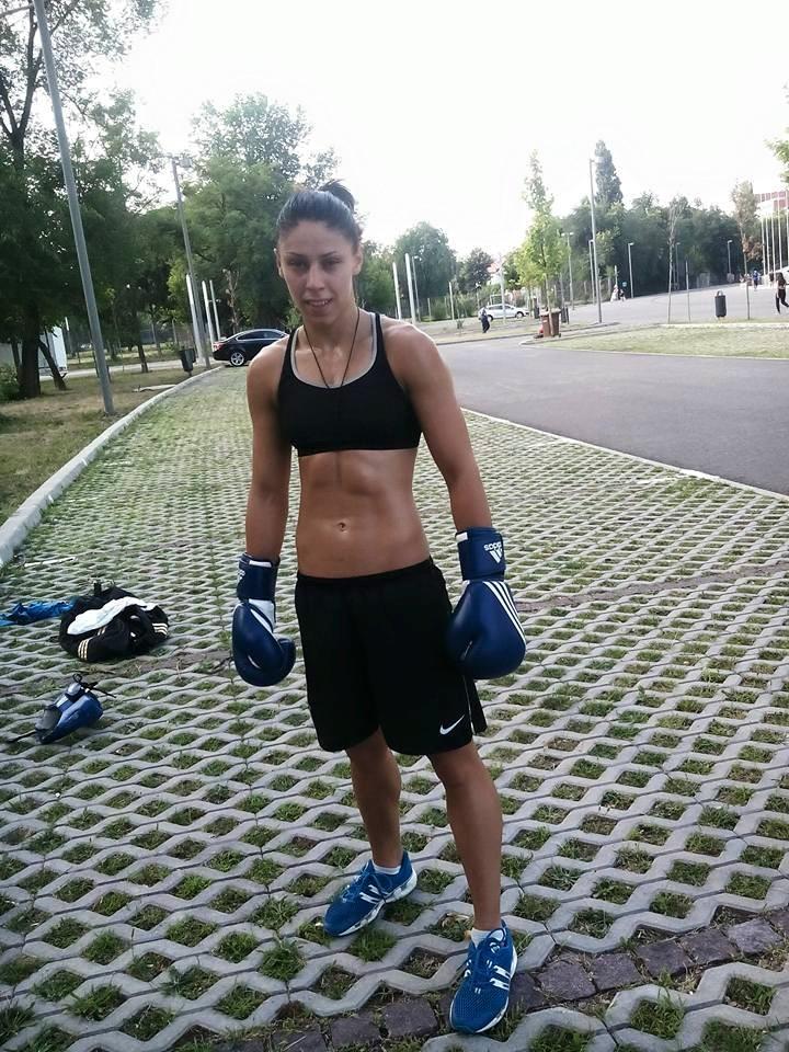 Claudia Nechita vrea antrenamente la lot. Pugilista s-a antrenat si in izolare