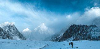 Alex Găvan se pregăteşte să urce fără oxigen suplimentar pe vârful K2