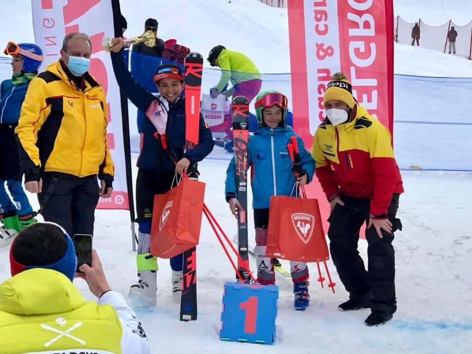 Tea Cristescu și Andreas Cota sunt cei mai buni sportivi de la Mini Cupa României la schi alpin.