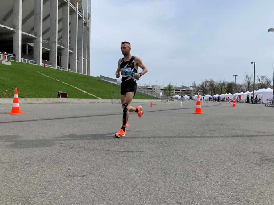 Claudiu Gorgan este cel mai bun alergător la întrecerea de 6 ore pe șosea