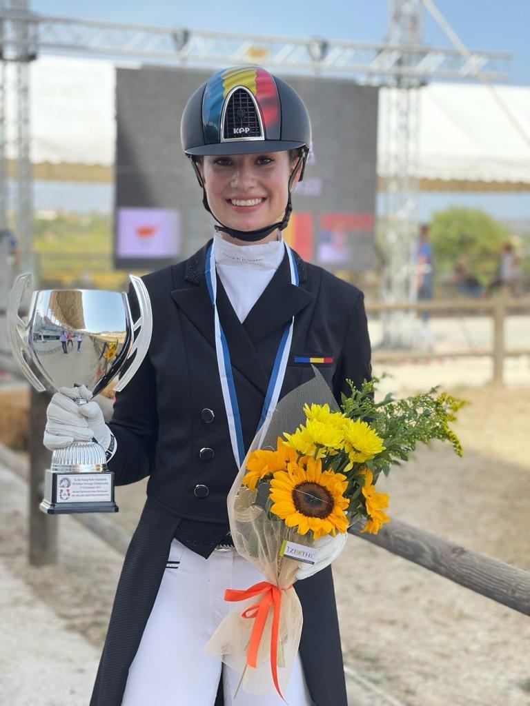 Daria Paliciuc entuziasmează la Dresaj. E campioană balcanică!