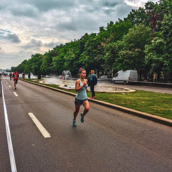 Anastasia Fotua castigat Cursa adolescentilor la Bucharest Half Marathon.