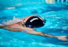 Robert Glinta face record la 50 de metri spate in bazin de 25 de metri!