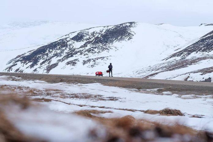 Vlad Pop se pregătește să urce pe cel mai înalt vârf din Europa, Elbrus la 5632 metri.